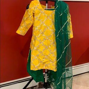Pakistani formal wear 3 piece suit in yellow/green